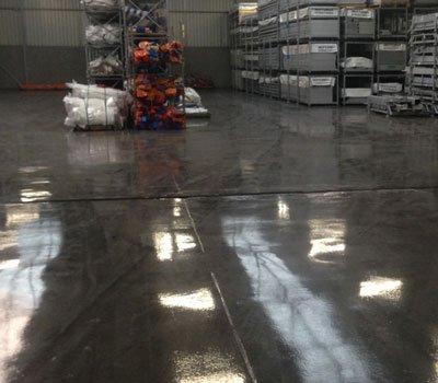 Coatingvloer in een magazijn
