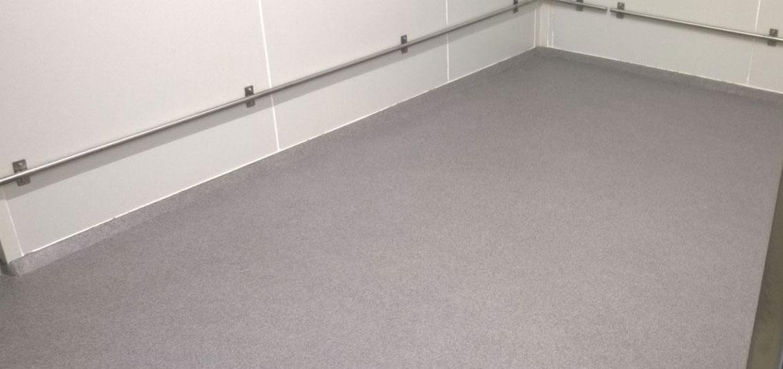 coatingvloer met doorlopende plintcoating